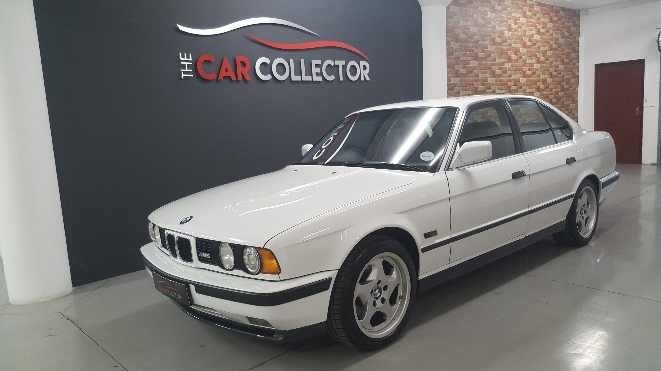 bmw e34 m5 the car collector. Black Bedroom Furniture Sets. Home Design Ideas